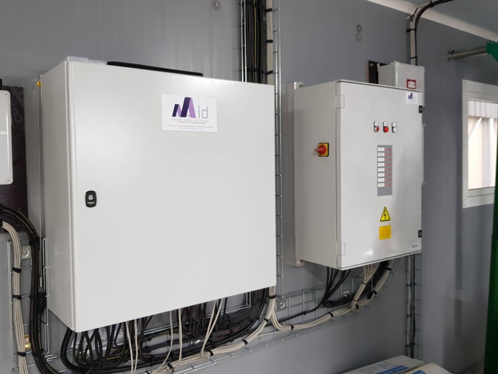 Armoire de distribution électrique et coffret de gestion dsitribution aliment automatique - Porc